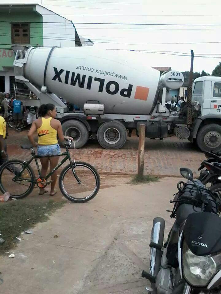 【閲覧注意・まとめ】トラックの隙間に「下半身」しかない少年が見つかる。・2枚目