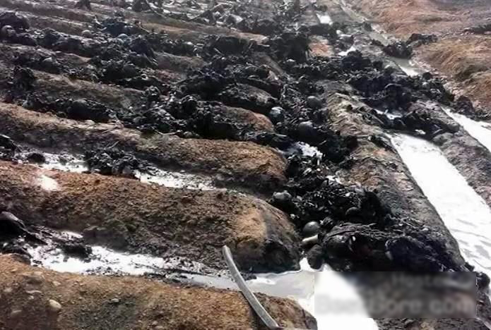 【閲覧注意・速報】150人近くが死んだパキスタンのタンクローリーの事故現場が地獄すぎる・・・(画像)・4枚目