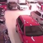 【阿保】車屋に放火した犯人、自分まで火ダルマになり逃げ惑う。(動画)