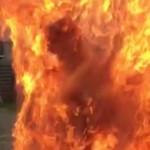 デンマークの伝統行事「シナモンシャワー」で人間火だるま大事故発生。(動画)