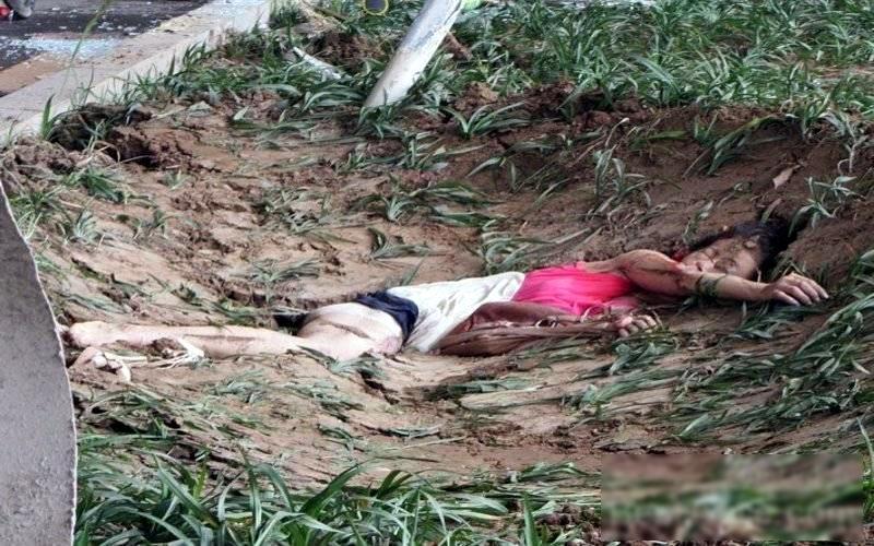 【閲覧注意】ミキサー車に押し潰された女性、ペシャンコ。(画像)・6枚目