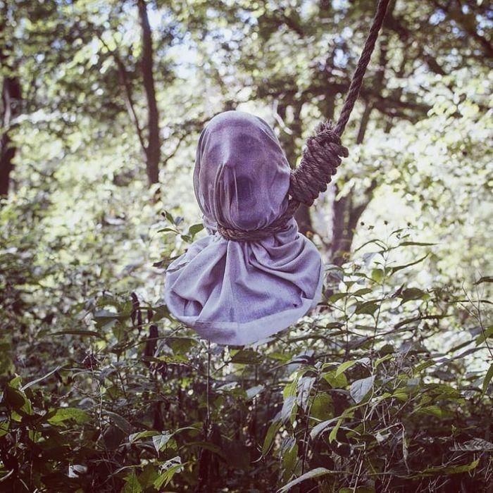 【画像11枚】世界の森で撮影された怖い写真、ホントに怖かった。・9枚目