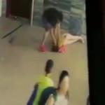 【胸糞】公の場で彼女を殺すほどボコる彼氏ヤバすぎる。(動画)