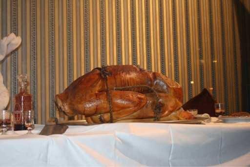 【閲覧注意】ISIS、人間を丸焼きにして人肉パーティを開催する。←ほんまに食う気まんまんやんけ、、orz(画像あり)・1枚目