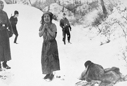 【閲覧注意】ナチス・ドイツ時代の「強制収容所」の様子がまさに地獄・・・(画像)・2枚目