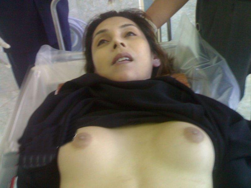 """【閲覧注意】 """"遺体安置所"""" の女性、全てを晒されてしまった結果・・・とんでもない事態に。(画像)・3枚目"""