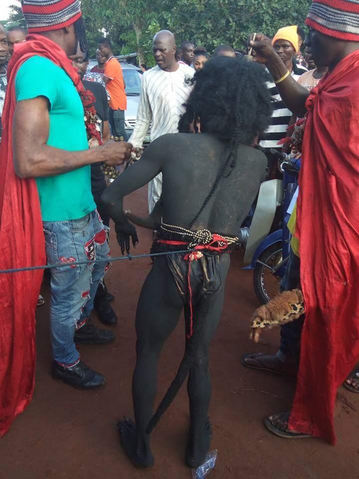 ナイジェリアの祭りでサタン召喚祭り、色々とやばい。(画像)・1枚目