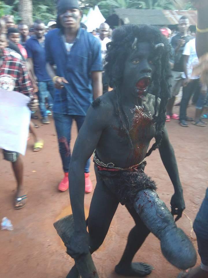 ナイジェリアの祭りでサタン召喚祭り、色々とやばい。(画像)・2枚目