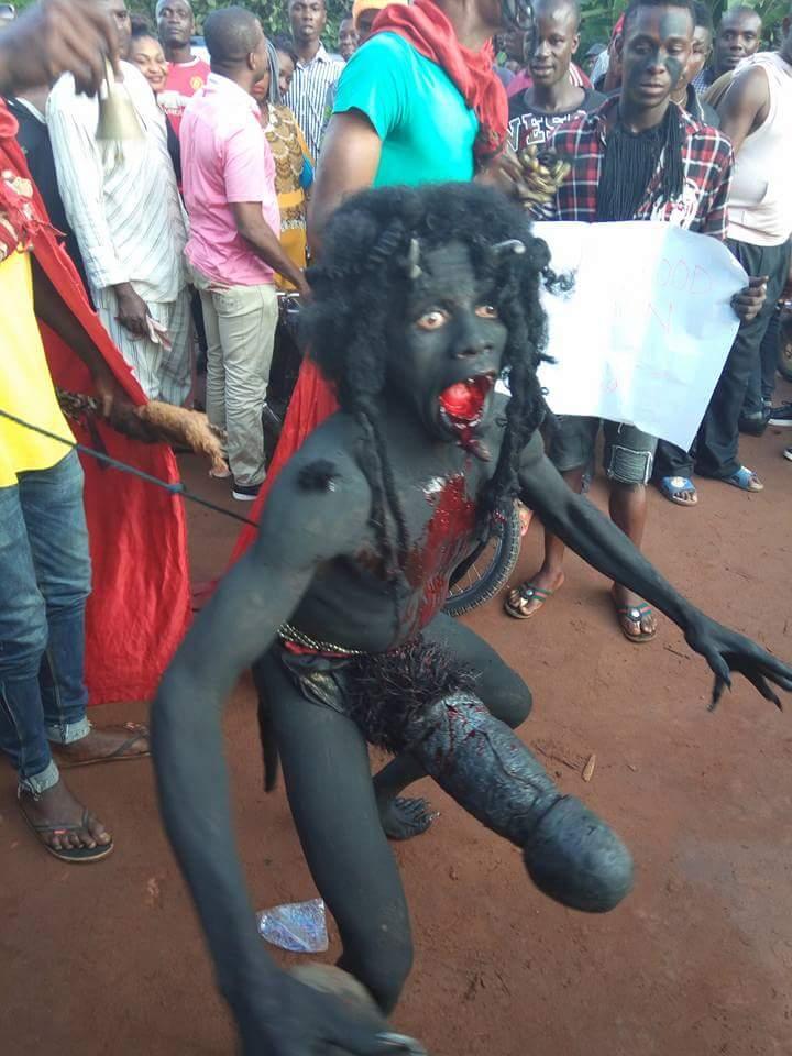 ナイジェリアの祭りでサタン召喚祭り、色々とやばい。(画像)・3枚目