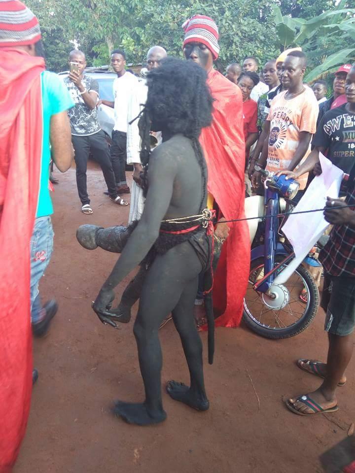 ナイジェリアの祭りでサタン召喚祭り、色々とやばい。(画像)・4枚目