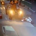 【閲覧注意】クレーン車に顔を踏み潰される瞬間が映った防犯カメラの映像が、、、(動画)