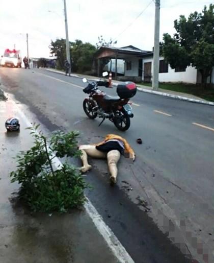 【閲覧注意】道に倒れている女性の顔がマジで怖すぎる・・・(画像)・3枚目