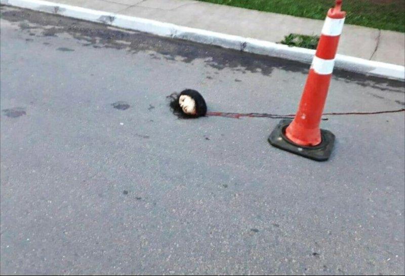【閲覧注意】道に倒れている女性の顔がマジで怖すぎる・・・(画像)・5枚目