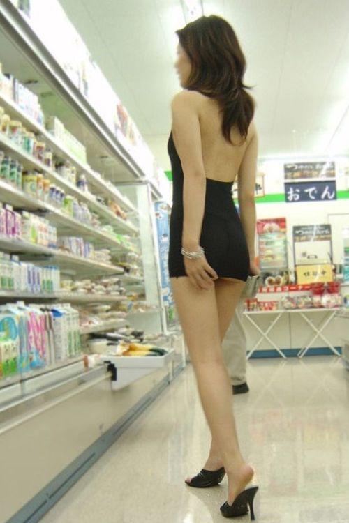 海外サイトで取り上げられた「中国人の露出狂」これ日本人やろ?(画像)・2枚目