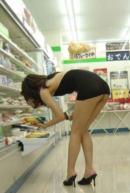 海外サイトで取り上げられた「中国人の露出狂」これ日本人やろ?(画像)・3枚目