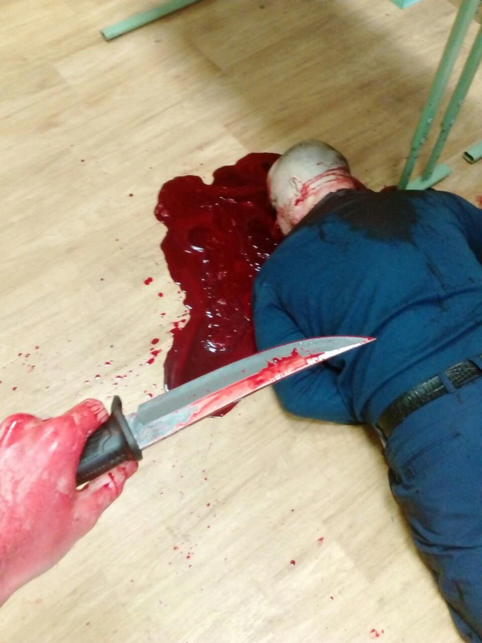【閲覧注意】教師を殺害した大学生がアップした画像。常軌を逸してる・・・(画像)・4枚目
