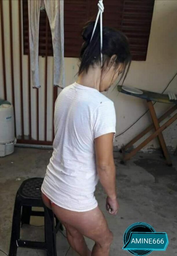 【閲覧注意】首吊り自殺をした女性がエロい格好で発見される。(画像)・4枚目