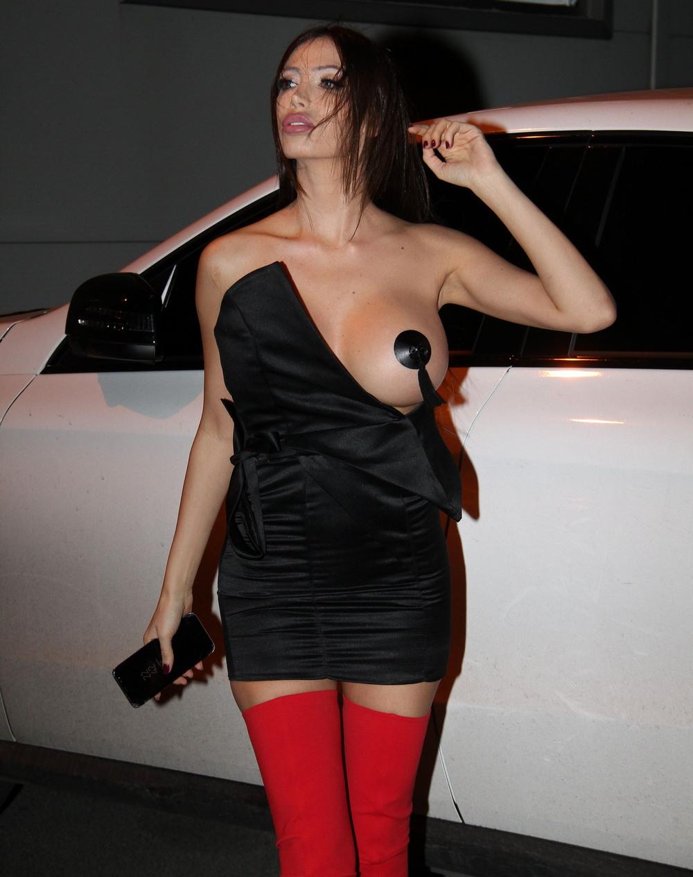 海外のモデルさんが斬新なファッションで登場する。これは意表を突かれたわ。。(画像)・6枚目
