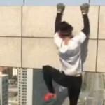 【衝撃】危険スタントで有名な中国人男性が死亡したスタントがこちら。。(動画)