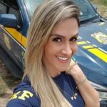 美女の警官がプライベートで公開した画像。過激すぎやろ・・・(画像)
