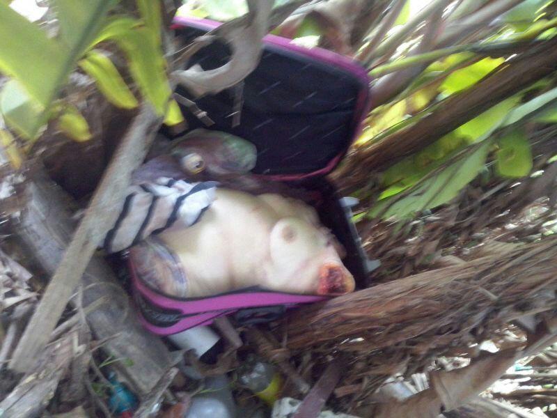 【閲覧注意】スーツケースの中から発見されたコンパクトな女性。。(画像)・5枚目
