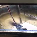 【恐怖】中国のエレベーター、また人間を襲う。。(動画)