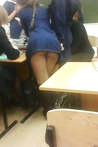 【画像】海外の女子学生がマジでエロすぎて授業に集中できない。。(画像)・10枚目