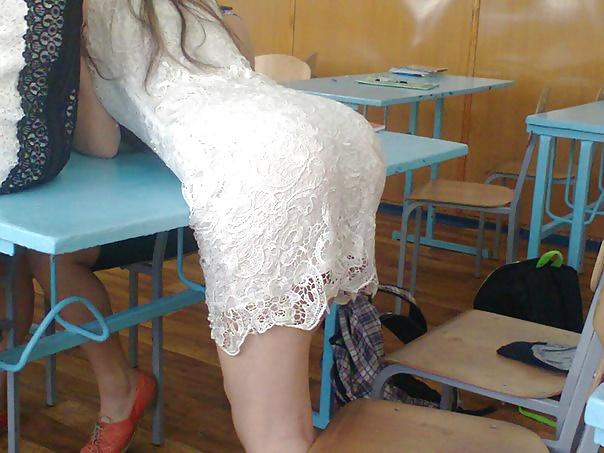 【画像】海外の女子学生がマジでエロすぎて授業に集中できない。。(画像)・14枚目