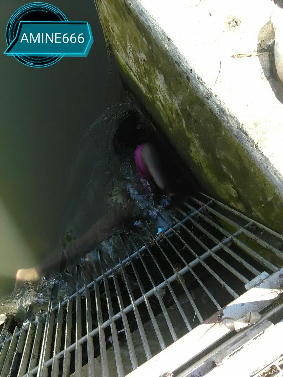【閲覧注意】溺死した女性が淫らな格好で引き上げられる。。(画像)・1枚目