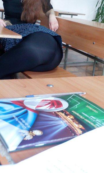 【画像】海外の女子学生がマジでエロすぎて授業に集中できない。。(画像)・18枚目