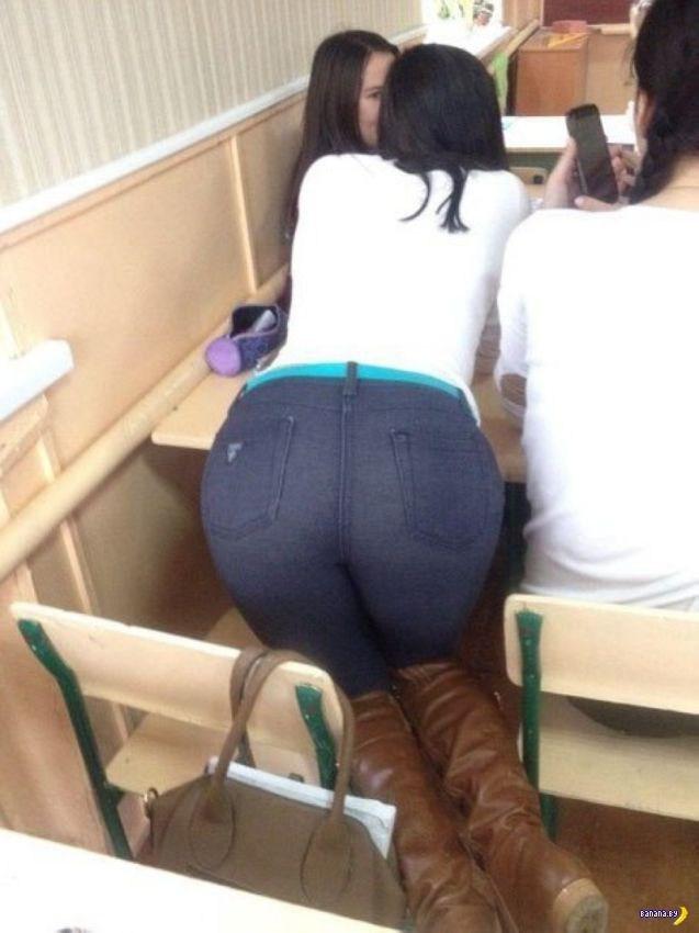 【画像】海外の女子学生がマジでエロすぎて授業に集中できない。。(画像85枚)・6枚目