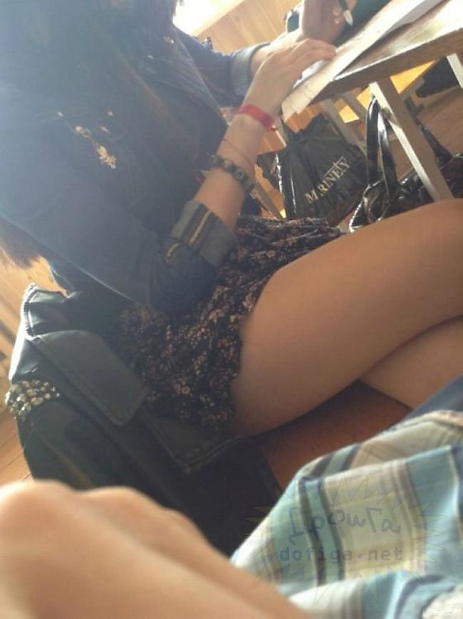 【画像】海外の女子学生がマジでエロすぎて授業に集中できない。。(画像85枚)・15枚目