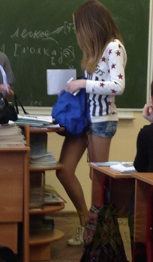 【画像】海外の女子学生がマジでエロすぎて授業に集中できない。。(画像85枚)・28枚目