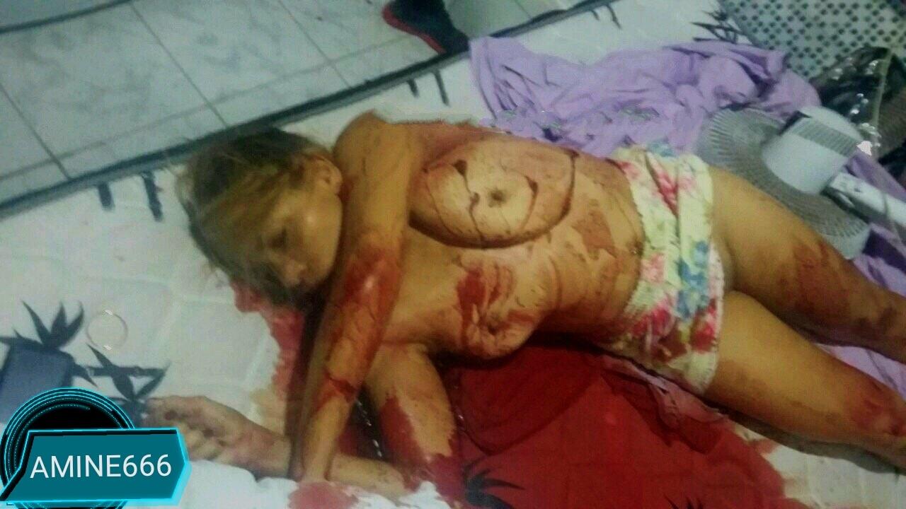 【閲覧注意】巨乳の女性がおっぱいをメッタ刺しされ殺害された事件現場。(画像)・2枚目