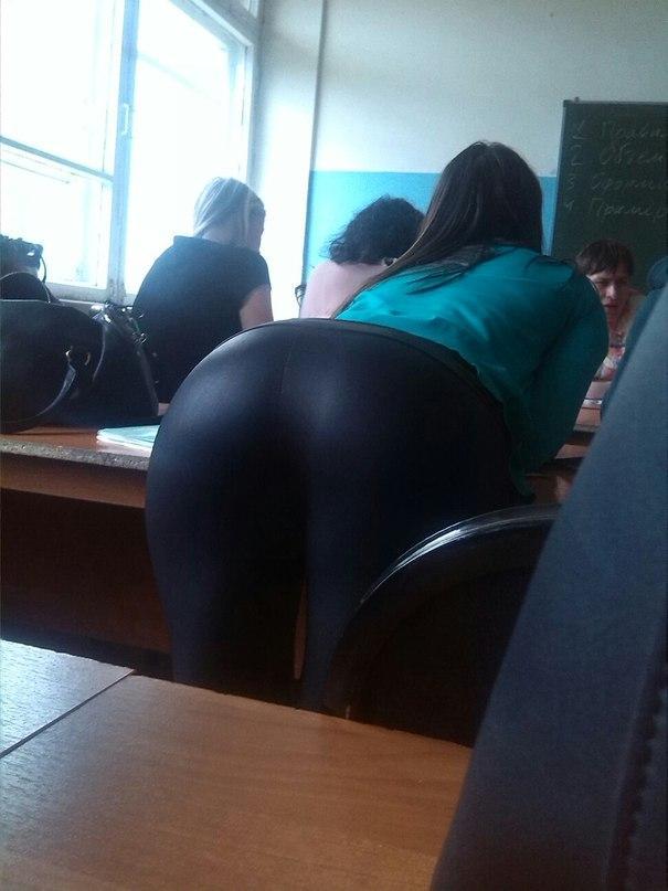 【画像】海外の女子学生がマジでエロすぎて授業に集中できない。。(画像)・4枚目