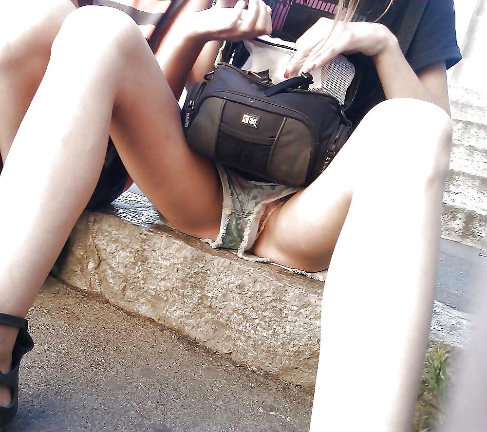 【画像】海外の女子学生がマジでエロすぎて授業に集中できない。。(画像)・7枚目