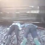 【閲覧注意】カップル揃って列車自殺。2人ともレールに首を・・・(動画)