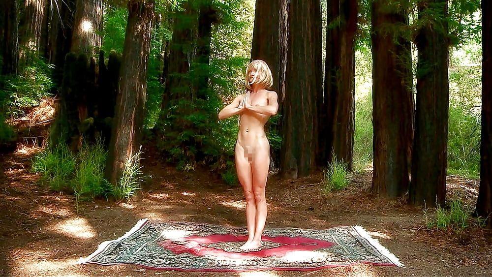 【エロ】ガチの「全裸ヨガ教室」が存在した。(動画、画像100枚)・63枚目