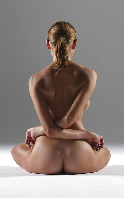 【エロ】ガチの「全裸ヨガ教室」が存在した。(動画、画像100枚)・87枚目