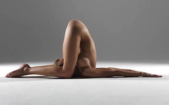 【エロ】ガチの「全裸ヨガ教室」が存在した。(動画、画像100枚)・90枚目