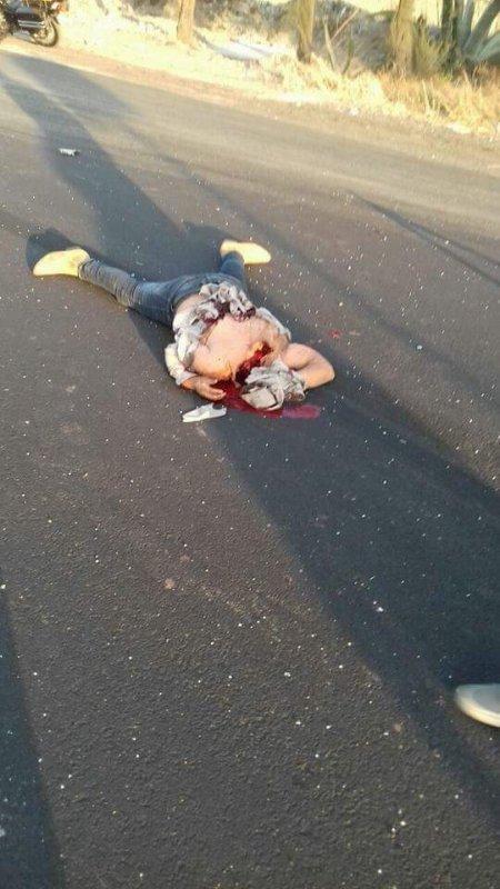 【閲覧注意】残酷すぎる事故現場。下半身だけ落ちてる・・・(画像)・2枚目