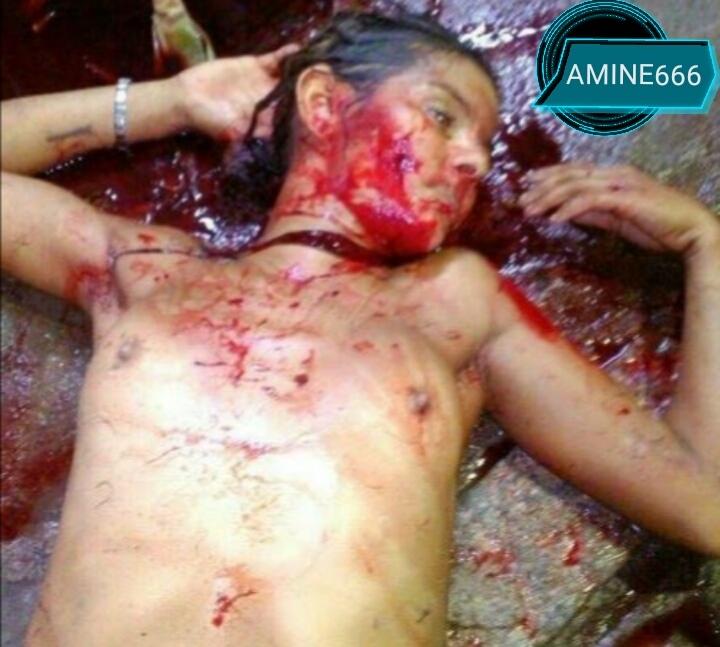 【閲覧注意】おっぱい丸出しで首をカッ切られた女の子。。(画像)・3枚目