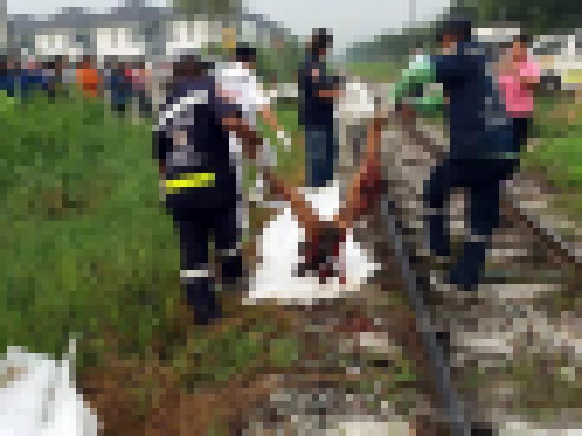【超閲覧注意】列車に轢かれた人、色々部位が足りない・・・(画像)・5枚目