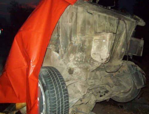 【閲覧注意】車が真っ二つになる事故現場。乗っていた人は?(画像)・5枚目