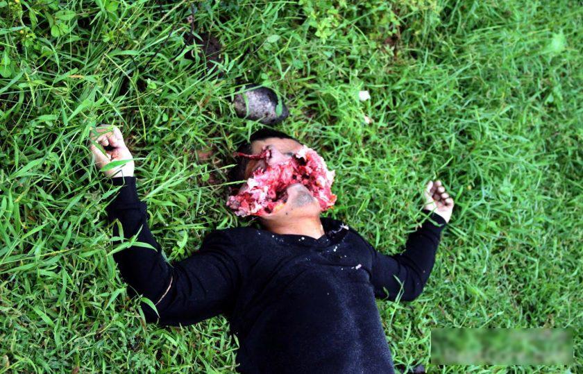 """【超閲覧注意】恨みを晴らすべくターゲットの顔面を""""散弾銃""""で吹き飛ばした事件現場。。(画像)・5枚目"""