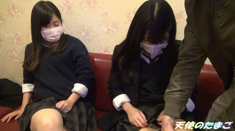 【画像あり】現役女子○生が友達と援○する問題のハメ撮り映像がこちら。・5枚目