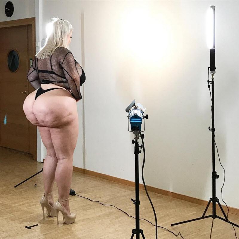 【巨尻信仰】ラテン尻に憧れ過ぎたスウェーデンのモデルまんさん、とんでもない手術をしてしまうwwwwww(画像)・9枚目