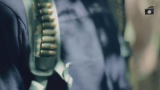 【閲覧注意】ISISのハンドガンにより処刑動画、全てを諦めた男の表情がキツい・・・・・(画像、動画)・3枚目