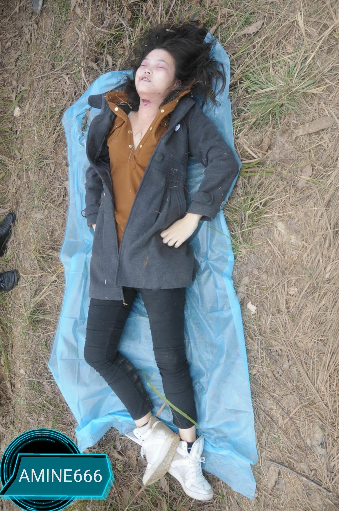 【遺体注意】草むらでレイプされた後絞殺された中国人少女、その場で検視されてる画像がヤバい・・・・・(画像)・2枚目