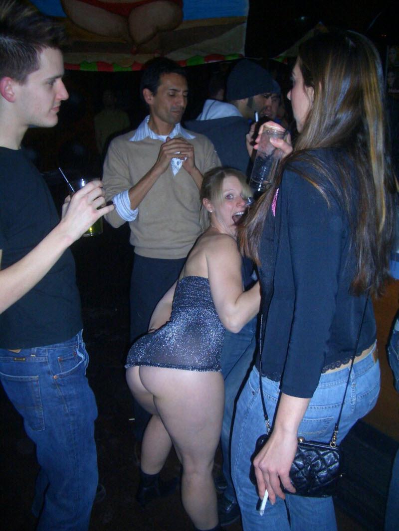 【SNS】海外リア充の飲み会の様子、裸でも問答無用でSNSにUPされてる・・・・・(画像)・10枚目